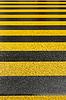 ID 3772498 | Gelbe Fahrbahnmarkierung | Foto mit hoher Auflösung | CLIPARTO