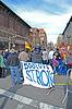 BOSTON - 20. APRIL: Menschen in der Nähe Gedenkstätte einrichten auf | Stock Foto