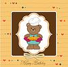 Teddybär mit Kuchen. Geburtstags-Grußkarte
