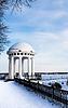 Arbor am Kai im Zentrum von Jaroslawl. Russland | Stock Foto