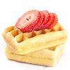 Belgische Waffeln und Erdbeeren auf dem Teller | Stock Foto