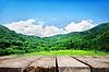 Berge und Holzboden | Stock Foto