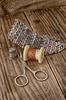 Instrumenty odzieży repairman i nici | Stock Foto