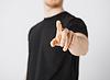 당신 자신의 손가락을 가리키는 사람 | Stock Foto