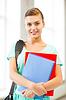 ID 3932289 | Student Mädchen mit Schultasche und Notebooks | Foto mit hoher Auflösung | CLIPARTO