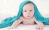 ID 4076339 | Baby fünf Monate alt unter strahlend blauem Deckel, | Foto mit hoher Auflösung | CLIPARTO