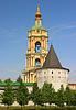 Süd-Ost- und Glockenturm vom Novospassky Kloster | Stock Foto