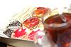 Tasse Tee und Vielfalt der französisch Gebäck mit | Stock Foto