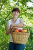 Dziewczyna z warzyw zbiorów | Stock Foto