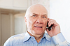 ID 4029022 | Schönen reifen Mann spricht per Telefon | Foto mit hoher Auflösung | CLIPARTO
