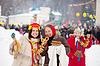 Maslenitsa 축제를 축하하는 여성 | Stock Foto