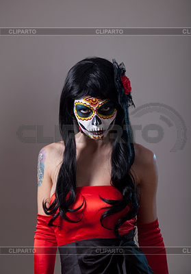 Dziewczyna czaszki cukru z czerwoną różą | Foto stockowe wysokiej rozdzielczości |ID 3971936