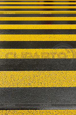 Gelbe Fahrbahnmarkierung | Foto mit hoher Auflösung |ID 3772498