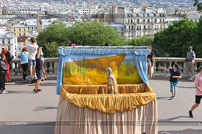 Puppenspiel von Noah `s Arche auf dem Montmartre. Paris. Frankreich | Foto mit hoher Auflösung |ID 3793162