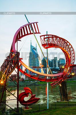 Downtown Nashville miasta w godzinach wieczornych | Foto stockowe wysokiej rozdzielczości |ID 3814177