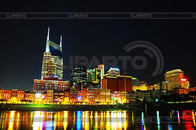Downtown Nashville Pejzaż w nocy | Foto stockowe wysokiej rozdzielczości |ID 3814179