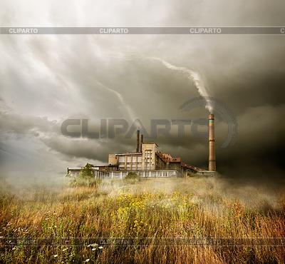 厂房和多云的天空 | 高分辨率照片 |ID 3892433