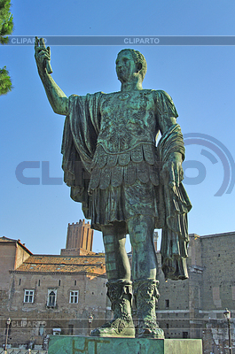 Statue of emperor Augustus in Rome, Italy | Foto stockowe wysokiej rozdzielczości |ID 3906233