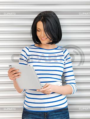 Studentin mit Tablet-Computer | Foto mit hoher Auflösung |ID 3927858
