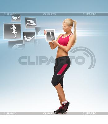 Kobieta trzyma Tablet PC z aplikacji bez | Foto stockowe wysokiej rozdzielczości |ID 3932078