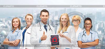 Gruppe von jungen Ärzten mit Tablette-PC-Computer | Foto mit hoher Auflösung |ID 4656889