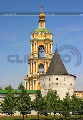 Süd-Ost- und Glockenturm vom Novospassky Kloster   Foto mit hoher Auflösung  ID 3784424