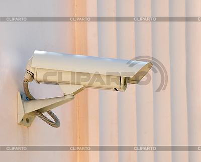 Kamery CCTV na prawej mur zegarków | Foto stockowe wysokiej rozdzielczości |ID 3812228