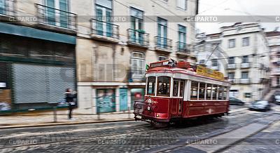 Tram 28, die durch Straßen von Lissabon | Foto mit hoher Auflösung |ID 3896458