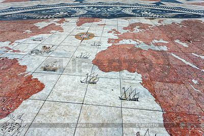 Stara mapa świata w Belém, Lizbona | Foto stockowe wysokiej rozdzielczości |ID 3896489