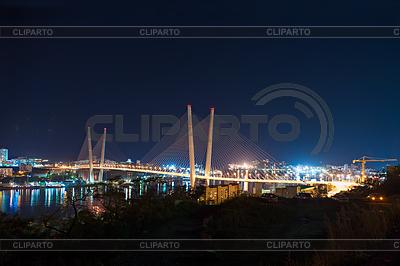 Nacht Ansicht der Brücke in der russischen Wladiwostok über Gol | Foto mit hoher Auflösung |ID 3873378