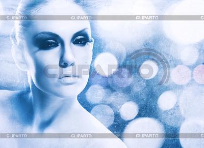 Ice Queen, abstrakte weibliches Portrait mit Eiswasser | Foto mit hoher Auflösung |ID 3914878