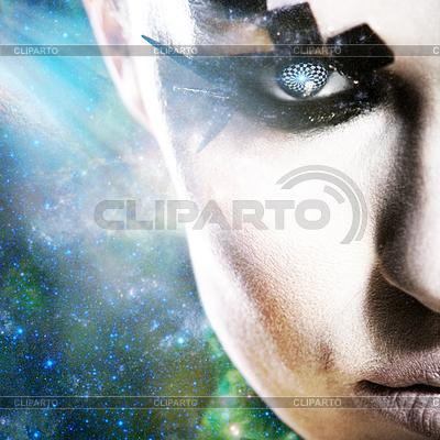 Obcy wygląd, abstrakcyjne kobiet portret na przestrzeni | Foto stockowe wysokiej rozdzielczości |ID 3916696