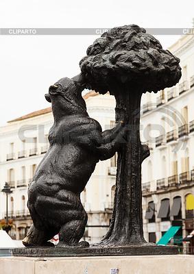 Bear and Madrono Tree at Puerta del Sol. Madrid | Foto stockowe wysokiej rozdzielczości |ID 3986844