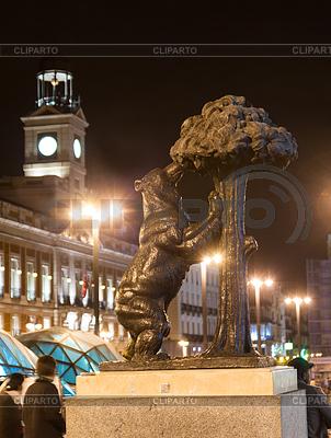 Bär und Madrono Baum in der Nacht. Madrid | Foto mit hoher Auflösung |ID 4007477