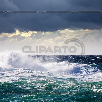 High sea wave during storm | Foto stockowe wysokiej rozdzielczości |ID 4017328